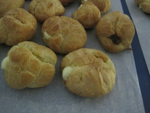 Filled cream puffs